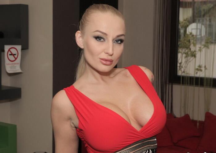 Kayla Green - Russian Hooker Breaks The Snooker (HD 720p) - ReadyOrNotHereICum / CumLouder - [2020]