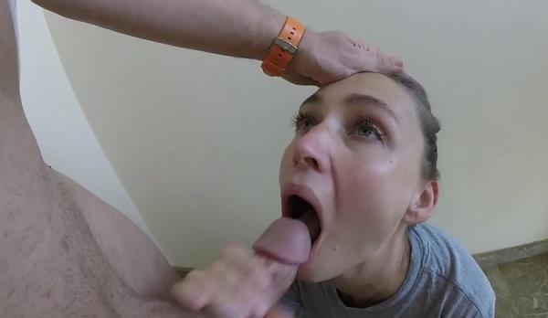 Public Blowjob and Cum Swallow from Amateur Couple - owiaks [Manyvids] (HD 720p)