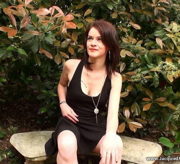 JacquieEtMichelTV/Indecentes-Voisines: Carla - Carla, 18ans, un nouveau depart... coquin! (FullHD) - 2020