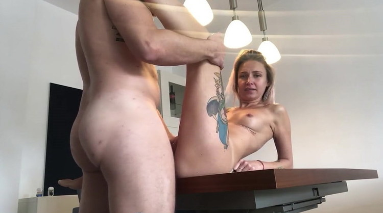 owiaks - YULI WITH HER TEEN PUSSY GET FUCK AND ROUGH ANAL ON THE TABLE [Manyvids] (HD|MP4|88.2 MB|2020)
