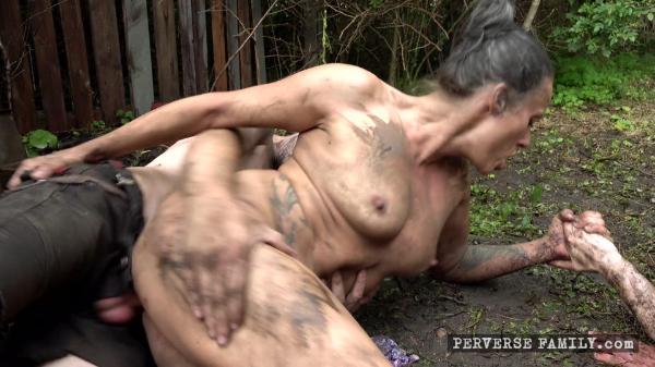Perverse Family E22 Dirty Family Orgy