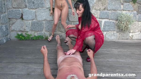 Grand Parents X – Old Slut Showing Everybody How To Fuck