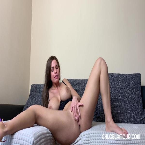 Chloe Lamour – How I Spend My Afternoon Alone CZECH